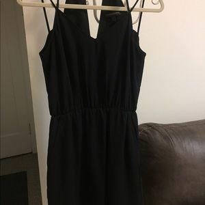 NWOT SIZE 4 BANANA REPUBLIC BLACK DRESS.